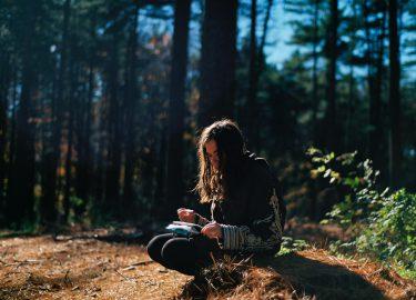 Foto van een gevoelig meisje