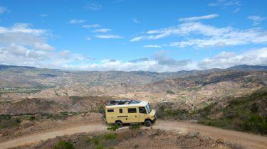 Bus Balthasar van Olaf Boswijk en Mirna Klijn tijdens hun reis voor Zuid-Amerika