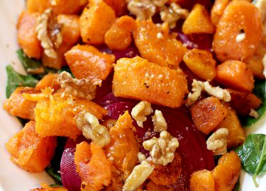 recept salade met spinazie, geroosterde pompoen en bietjes