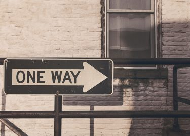 Bord met 'one way'