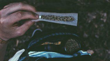 Dit Gebeurt Er Met Je Lichaam En Je Hersenen Als Je Wiet Rookt