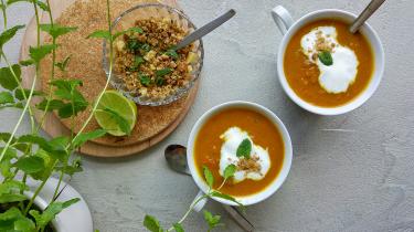 twee kopjes soep