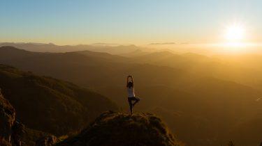meisje op berg