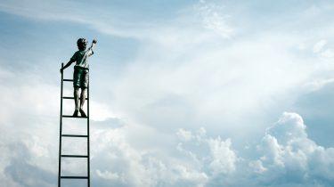 jongetje op ladder