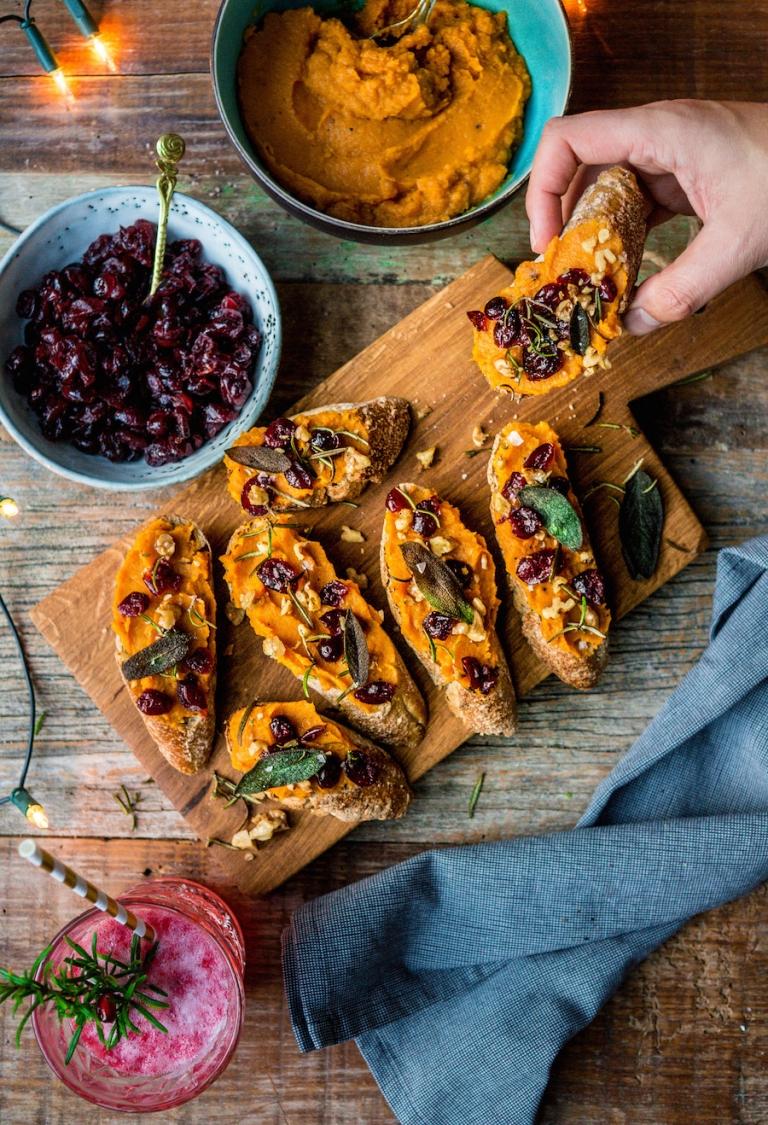 Afbeelding van vegetarisch voorgerecht toast met pompoen