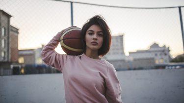 meisje met basketbal