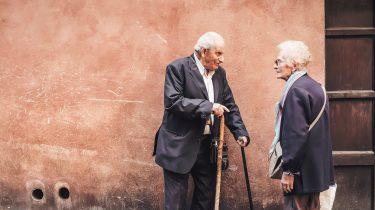 twee oude mensen