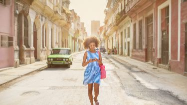 Zomer Kleding Kopen.Het Slow Fashion Season Tips Voor Een Zomer Zonder Nieuwe Spullen