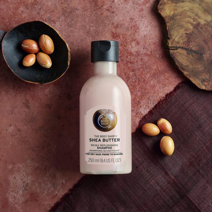 shampoo fles en noten