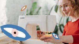 meisje is aan het naaien